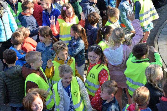 Briljant School Spelende Kinderen Speelplaats